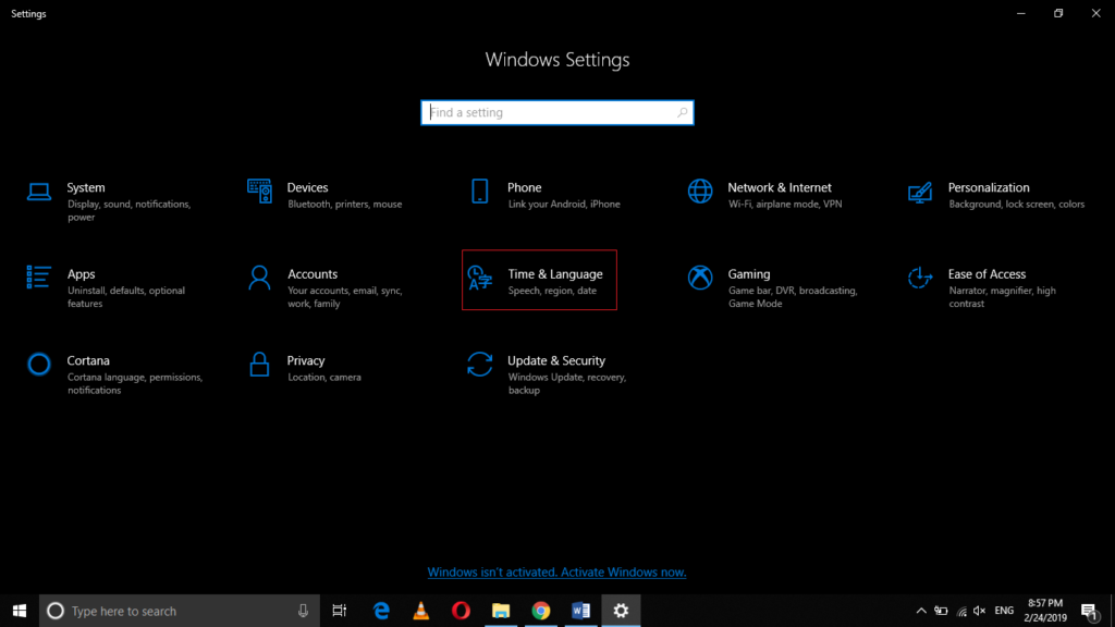 How to Change Cortana's Voice and Language in Windows 10